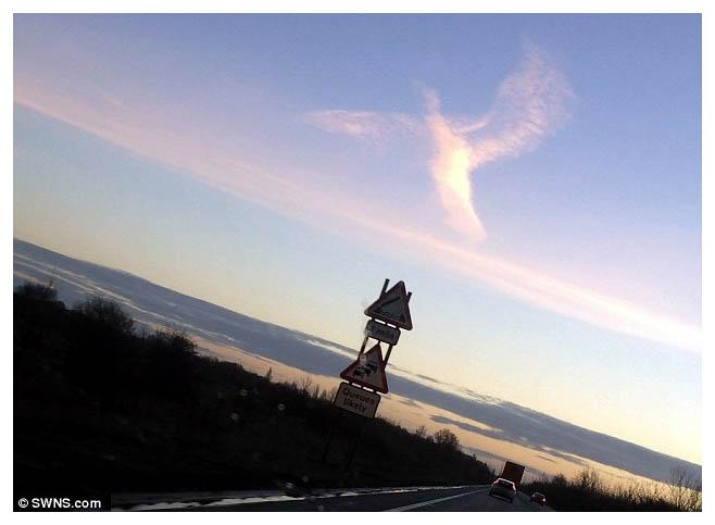 Misteriosa nube con forma de ángel en Reino Unido