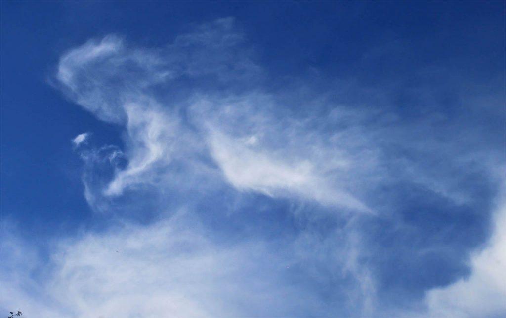 angeles y nubes